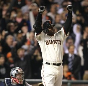Barry Bonds hits historic home run in SanFrancisco