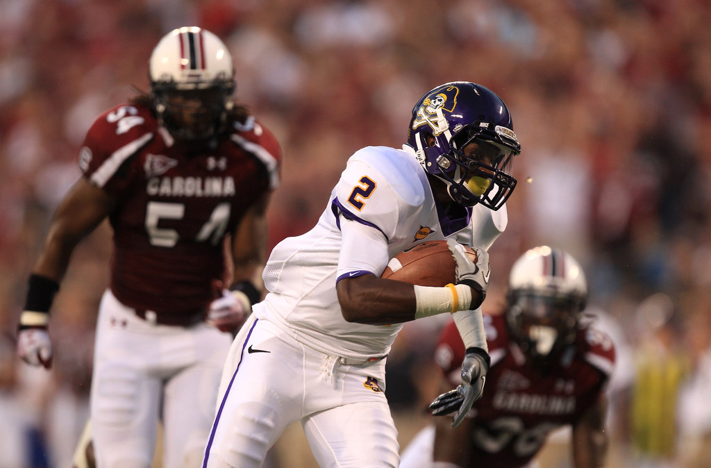 East Carolina Pirates wide receiver Justin Hardy runs for a touchdown against the South Carolina Gamecocks