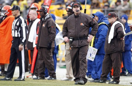 Cleveland Browns head coach Rob Chudzinski does not look happy during game