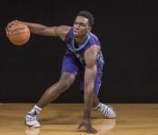 Charlotte Hornets forward Noah Vonleh dribbling a basketball (Getty Images)