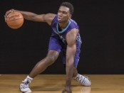 Charlotte Hornets forward Noah Vonleh dribbling a basketball (Getty Images)