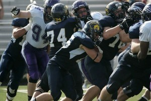 TCNJ rushing against the Warhawks (Photo by TCNJ Sports Information)