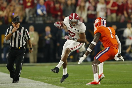 Jayron Kease trying to tackle Alabama's Kenyan Drake (Getty Images)