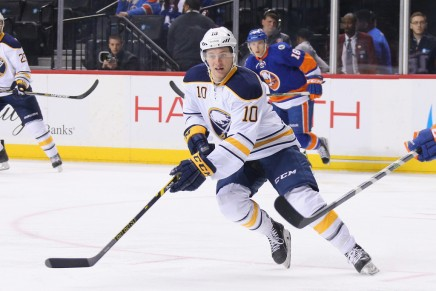 Sabres re-sign forward Cole Schneider
