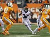 Cincinnati Bengals running back Jeremy Hill running the ball against the Miami Dolphins