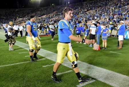Josh Rosen walking off the field before being injured (Getty Images)