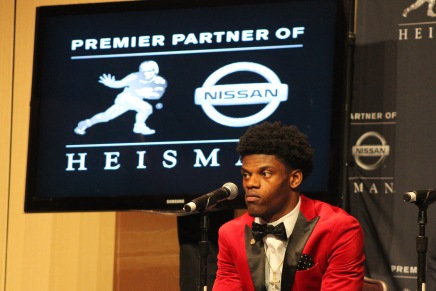 Cardinals' Jackson wins the Heisman Trophy