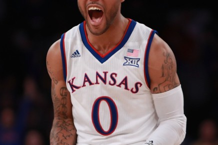 Mason leads #3 Jayhawks over the Horned Frogs