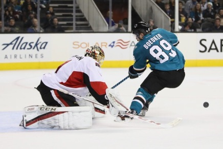 Sharks make Boedker a healthy scratch