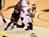 Cleveland Cavaliers guard Mo Williams gets past Toronto Raptors defender Delon Wright