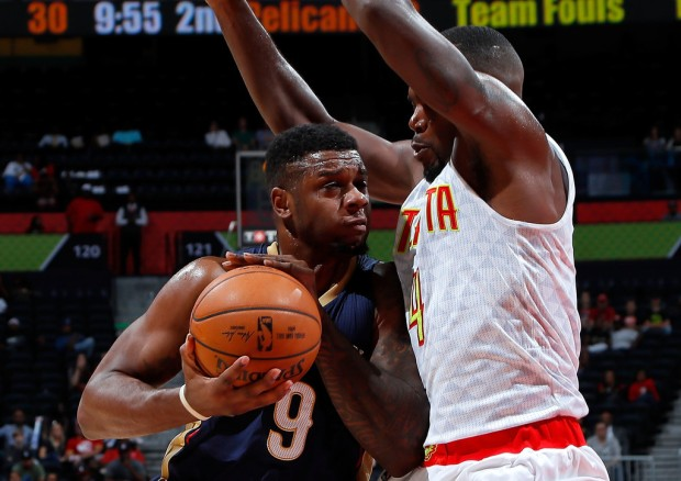 New Orleans Pelicans forward Terrence Jones drives to the basket against the Atlanta Hawks