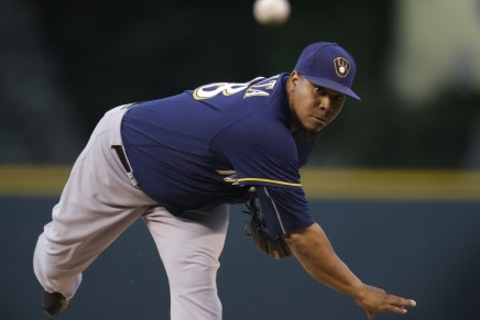 Rangers looking at Brewers' Peralta