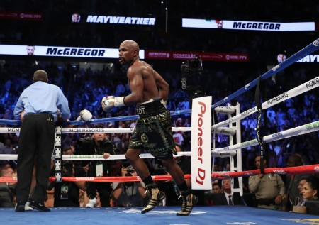 Floyd Mayweather Jr. celebrates after knocking Conor McGregor out (Getty Images)
