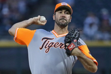 Tigers' Verlander blocks Astrosdeal