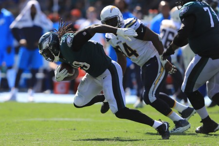Philadelphia Eagles running back LeGarrette Blount runs past the Los Angeles Chargers defense (Getty Images)