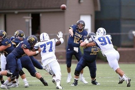 Lions put up lackluster performance at Homecoming