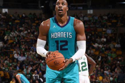 Hornets' Howard with an FTairball