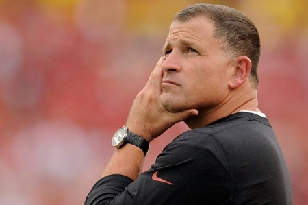 Greg Schiano, seen here with the Tampa Bay Buccaneers, has no agreement with the Tennessee Volunteers after they backed out (Getty Images)