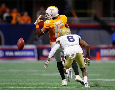 Former Tennessee Volunteers wide receiver Jauan Jennings fails to make a reception against the Georgia Tech Yellow Jackets (Getty Images)