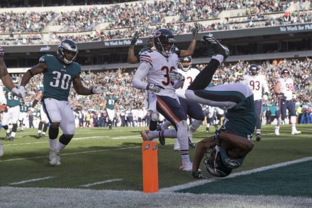 Philadelphia Eagles wide receiver Nelson Agholor scoring a touchdown against the Chicago Bears (Getty Images)