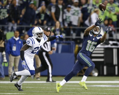 Indianapolis Colts cornerback Vontae Davis tries to tackle Seattle Seahawks wide receiver Tyler Lockett (Getty Images)