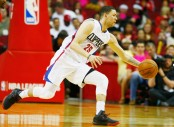 Los Angeles Clippers point guard Austin Rivers reaches for the ball (Getty Images)