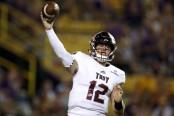 Troy Trojans quarterback Brandon Silvers throwing a pass (Getty Images)