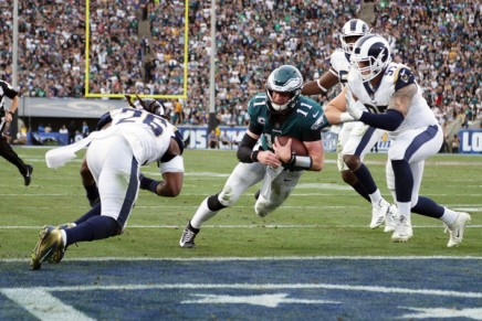 Eagles believe Wentz suffered tornACL