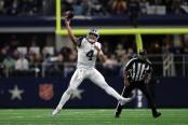 Dallas Cowboys quarterback Dak Prescott throwing a pass (Getty Images)