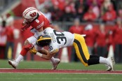 Wisconsin Badgers wide receiver Danny Davis III making a reception against the Iowa Hawkeyes (Getty Images)