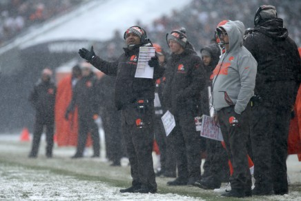 Will the Browns end the season0-16?