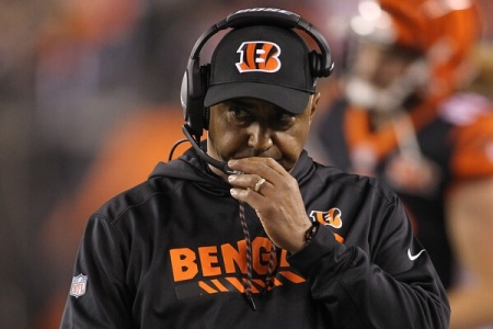 Cincinnati Bengals head coach Marvin Lewis looking disappointed (Getty Images)