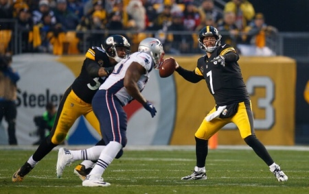 Pittsburgh Steelers quarterback Ben Roethlisberger throwing a pass against the New England Patriots (Getty Images)