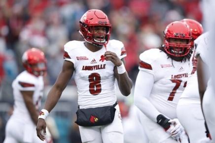 Cardinals QB Jackson makeshistory