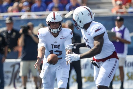 Troy Trojans quarterback Brandon Silvers passes the ball to Jamarius Henderson (Getty Images)