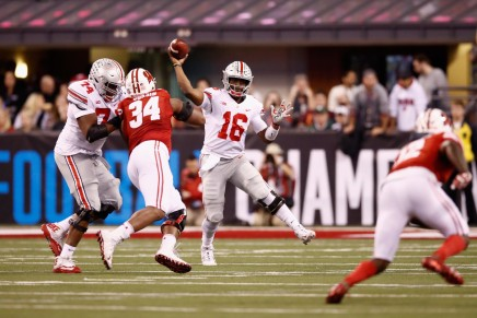 Barrett helps OSU beat Wisconsin