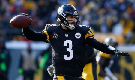 Pittsburgh Steelers quarterback Landry Jones attempts to make a pass against the Cleveland Browns