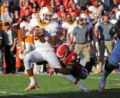 Georgia Bulldogs linebacker Natrez Patrick sacks Tennessee Volunteers quarterback Joshua Dobbs in 2016 (Getty Images)