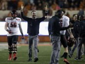 Texas Tech Red Raiders head coach Kliff Kingsbury celebrates with Nic Shimonek after the Bowl win (Getty Images)