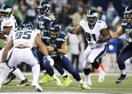 Seattle Seahawks quarterback Russell Wilson rushing the ball against the Philadelphia Eagles (Getty Images)