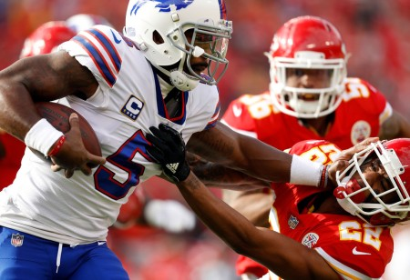 Buffalo Bills quarterback Tyrod Taylor rushing against the Kansas City Chiefs (Getty Images)