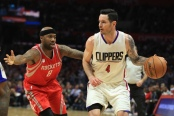 Houston Rockets guard Bobby Brown defends former Los Angeles Clippers guard J.J. Redick (Getty Images)