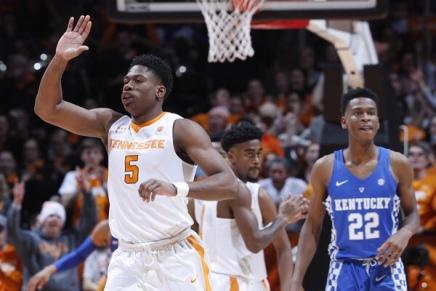 Schofield leads Tennessee overKentucky