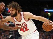 Chicago Bulls center Robin Lopez going to the basket against Cleveland Cavaliers power forward Channing Frye (Getty Images)