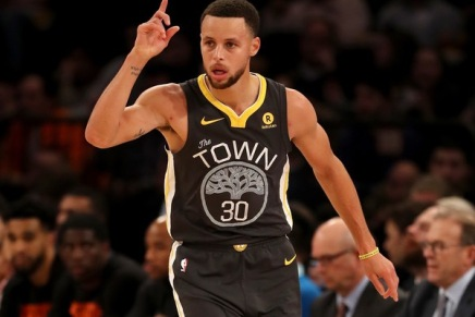 Curry suffered Grade 2 MCL sprain in McGee collision