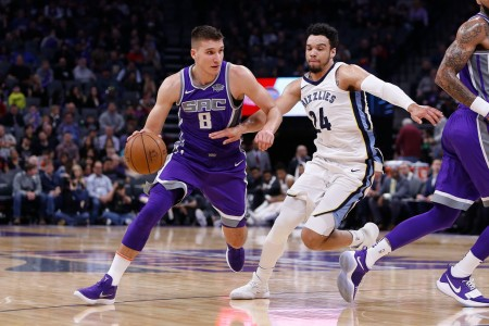 Memphis Grizzlies guard Dillon Brooks is seen here attempting to guard Sacramento Kings guard Bogdan Bogdanović (Getty Images)