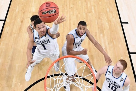 Jalen Brunson taking a shot (Getty Images)