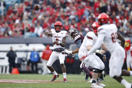 Lamar Jackson is seen here attempting a pass against the Mississippi State Bulldogs (Getty Images)