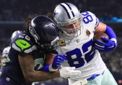 Jason Witten catches a pass against the Seattle Seahawks (Getty Images)