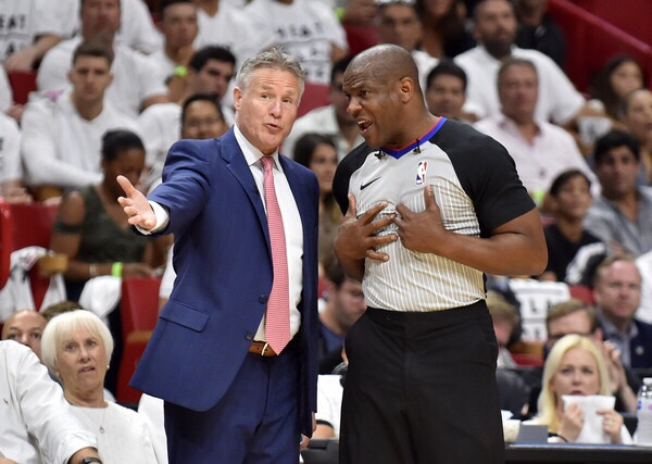 Brett Brown talking to an official (Getty Images)